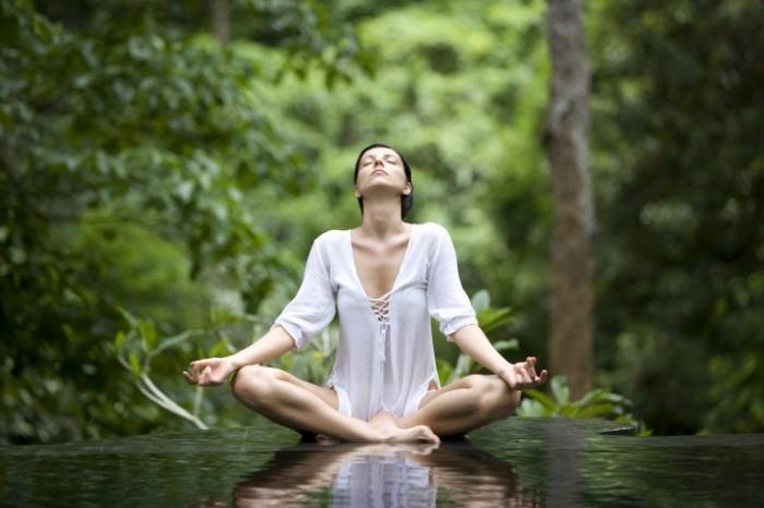 yoga-pose-istock_000005213985xlarge-2-700x466