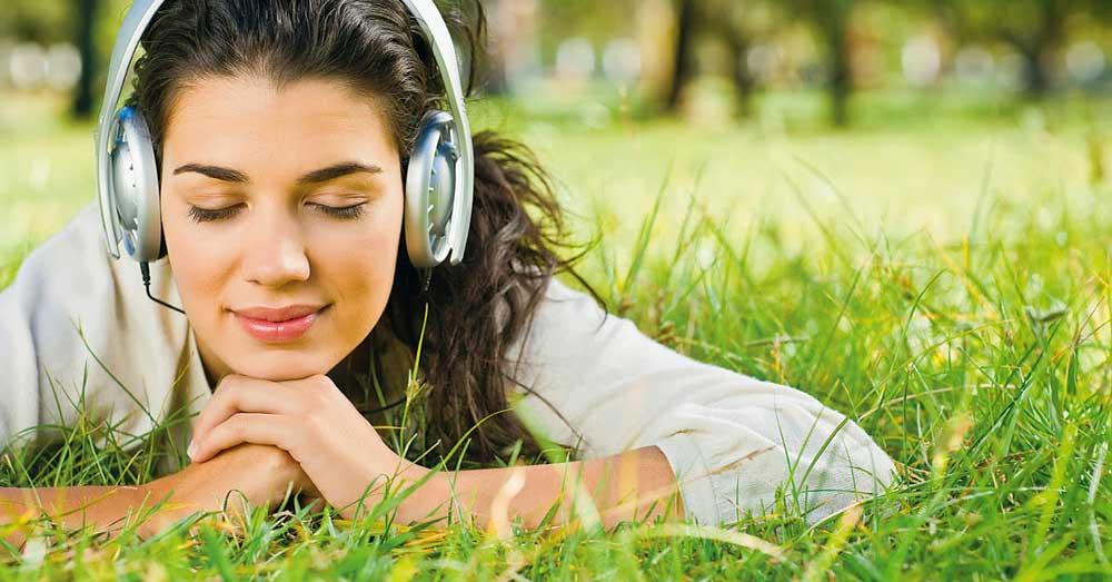 listen-audio-books[1]